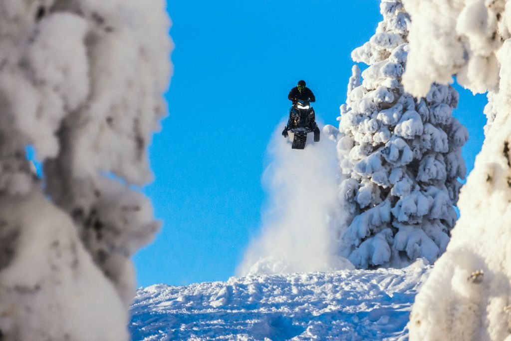 0 degrees and sunny—the perfect recipe for building jumps.