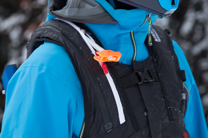 The new Snowpulse 3.0 system allows the deployment handle to be moved up and down, depending on your height.