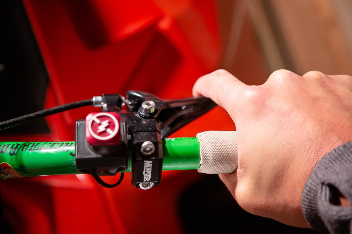Munster Finger Throttle Review-2