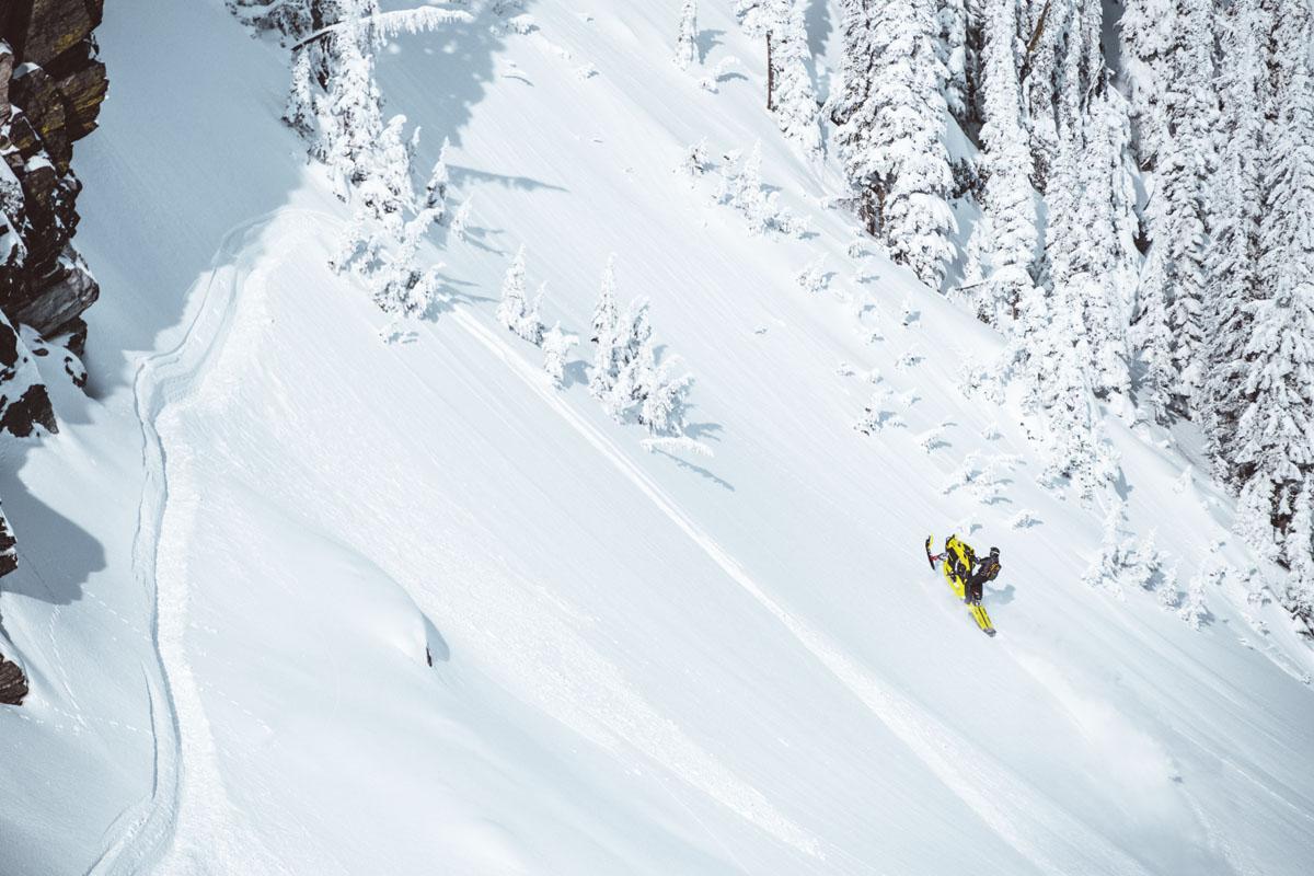 Ski-Doo Summit 850 E-TEC Turbo 09