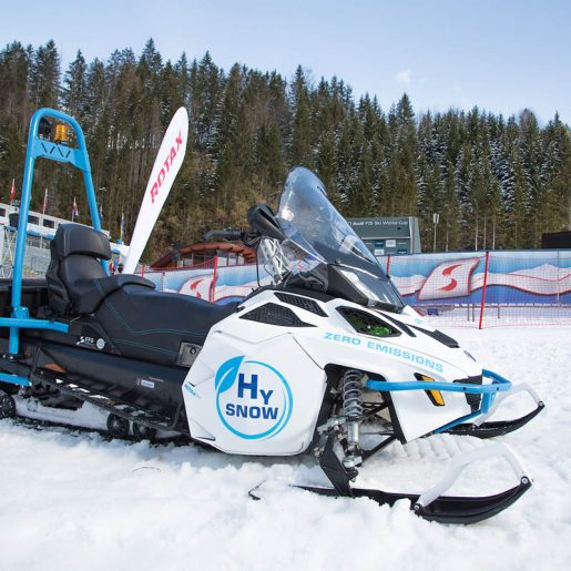 Lynx HySnow Is a Hydrogen Fuel Cell Snowmobile by BRP-Rotax