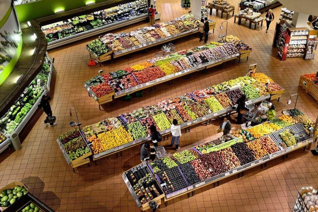 What Grocery Shopping Would Be Like If Sledders Acted in Public the Way Some Do Online