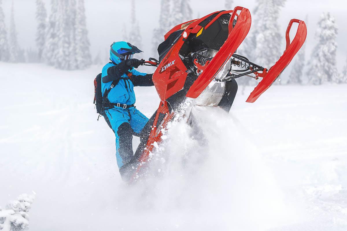 2022 Lynx BoonDocker DS Mountain Snowmobile