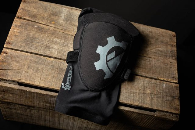 Mountain Lab Knee Guard Pro Review details_-2