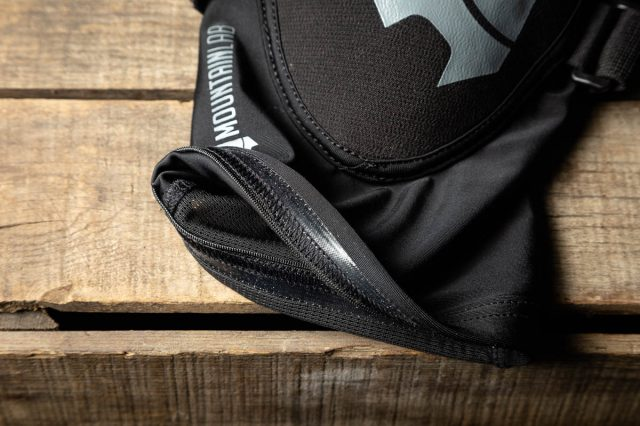 Mountain Lab Knee Guard Pro Review details_-3