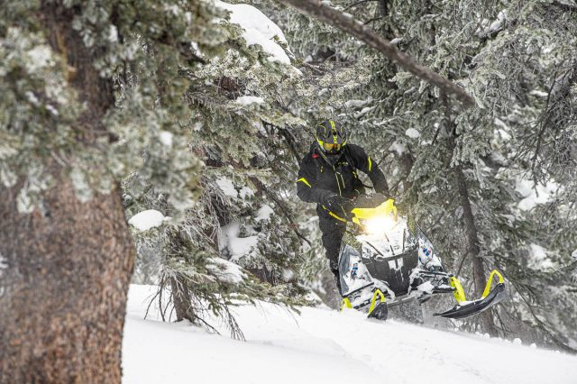 In the MIX With a SIX! Why You Should Consider a 600 cc Mountain Sled