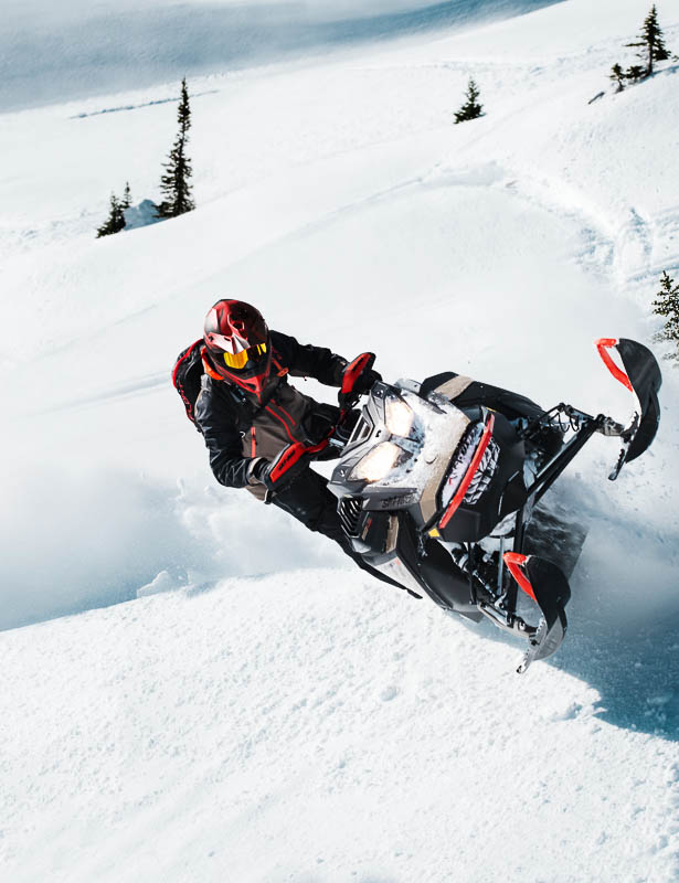 2022 Ski-Doo Summit with Expert Package